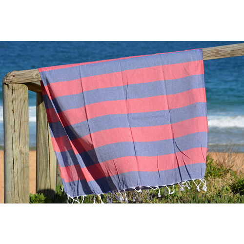 Compact Lifestyle Beach Daze Turkish Towel – Navy/Red