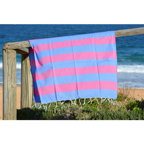 Compact Lifestyle Beach Daze Turkish Towel – Blue/Fuchsia