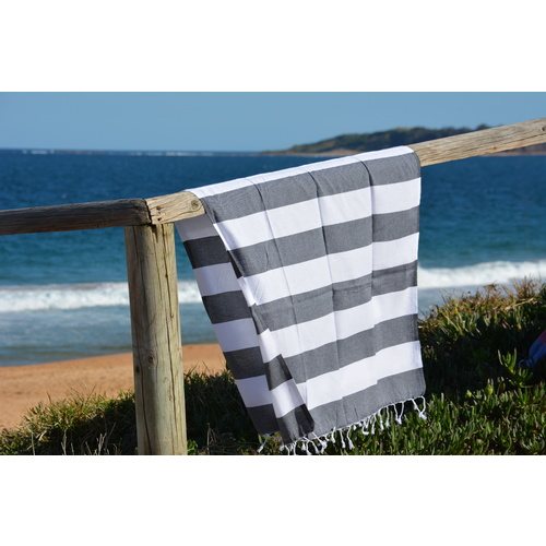 Compact Lifestyle Beach Daze Turkish Towel – Black/White